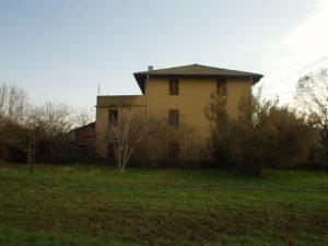 Torre Boldone vendesi villa singola di 500 mq su tre livelli