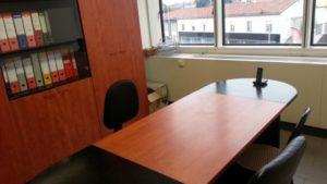 Bergamo Centro affittasi splendida e luminosa stanza arredata in studio professionale