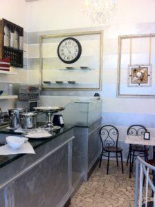 Bergamo Centro avviata attività di Bar in ottima posizione