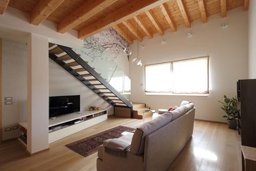 Come ottimizzare al massimo gli spazi di un piccolo appartamento su due piani