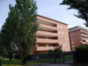 Bergamo Celadina affittasi signorile e luminoso trilocale di 100 mq